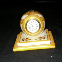 Square plate Table Watch